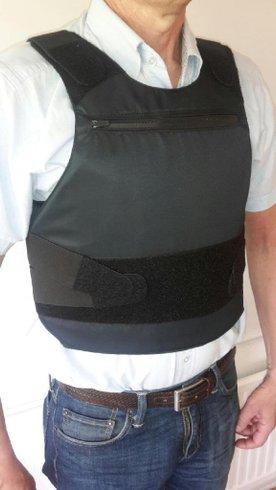 Proffsskyddsvästar mot vapen f kvinnor & män - Partille - Vi hjälper dig med att få fram passade ballistisk (mot skjutvapen) skyddsväst samt knivväst i samma skyddsväst. Svensktillverkade och mycket ergonomiska och sköna att använda.Oavsett om du har en späd eller större kropp, om du har form - Partille